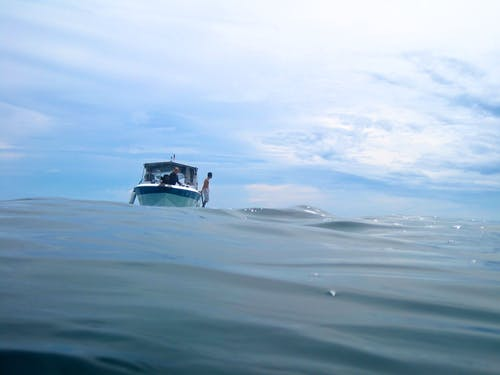 Fotos de stock gratuitas de azul, barca, buceando, cielo
