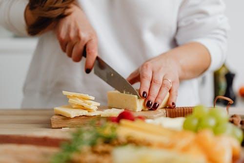คลังภาพถ่ายฟรี ของ การเตรียมอาหาร, ชีส, มีด