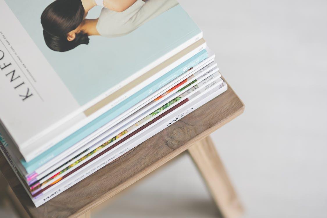 časopisy, čítanie, hromada