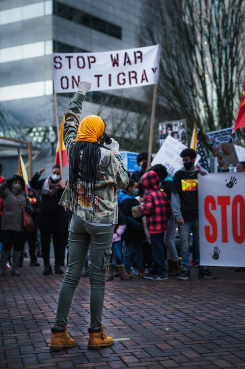 Ethiopian community protesting on city street against war on Tigray