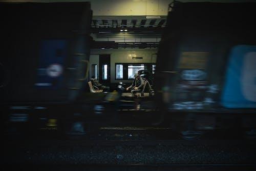 Photos gratuites de abandonné, arrêt de train, bâtiment