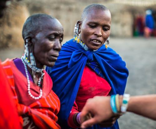 Kostenloses Stock Foto zu afrika, erwachsene, fashion, frauen