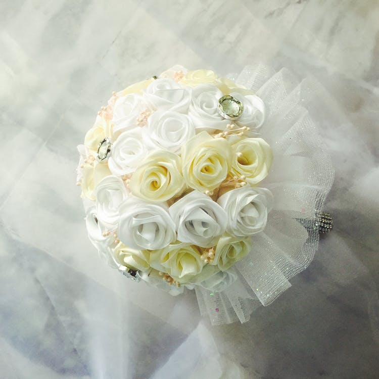 White and Yellow Flowers Table Decor
