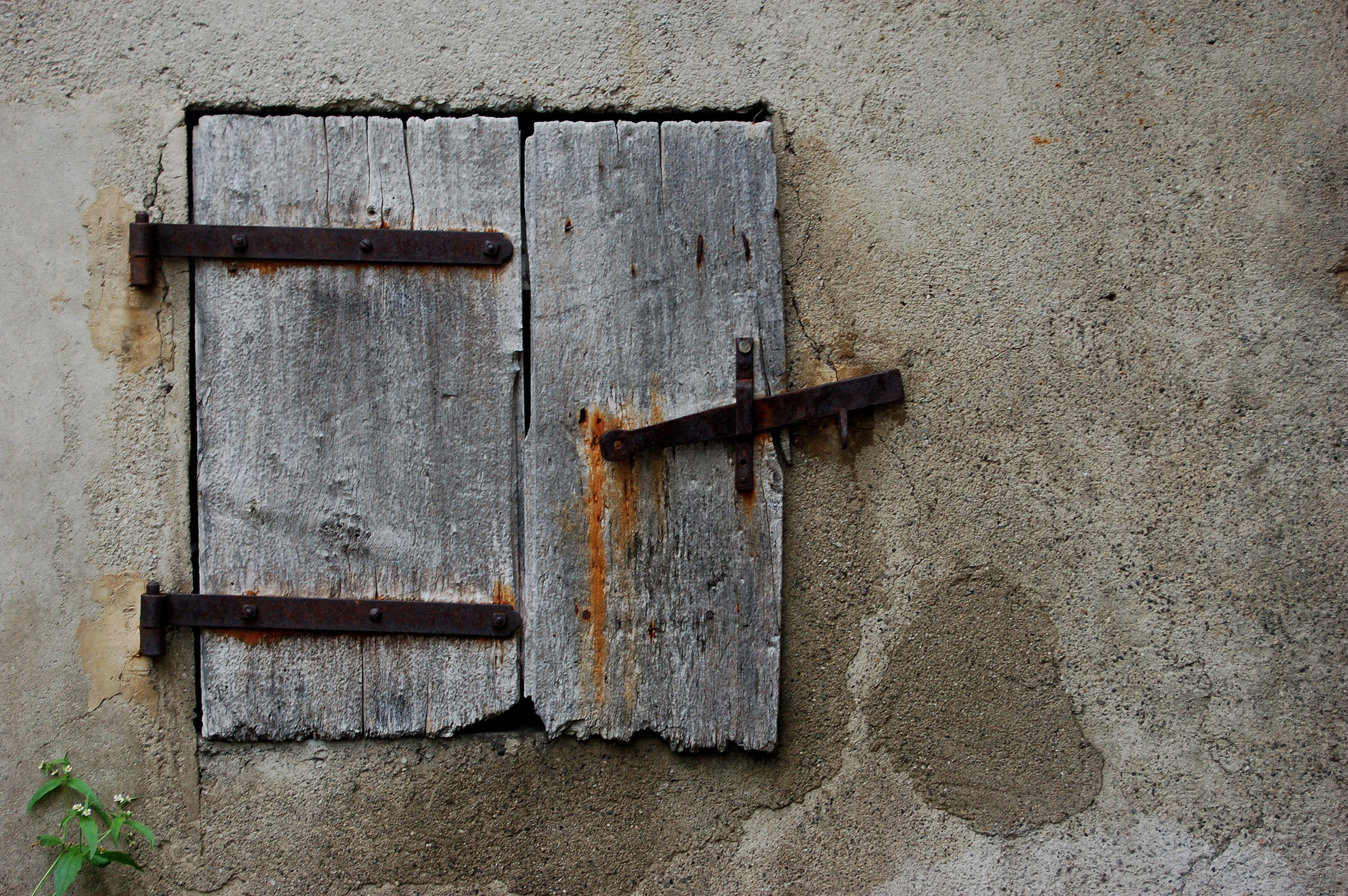 Free stock photo of old, rust, shutter