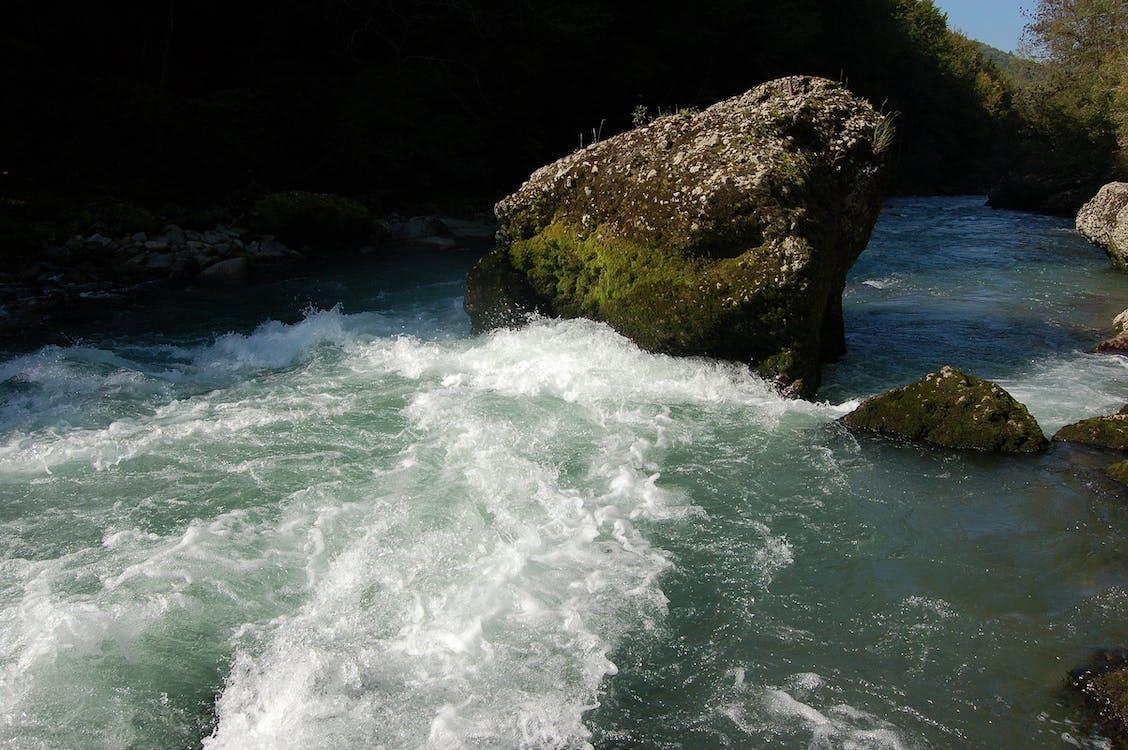 вода, камінь, рок