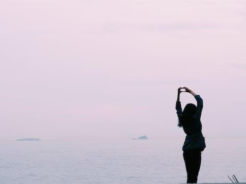 Immagine gratuita di amore, cielo, cuore, femmina