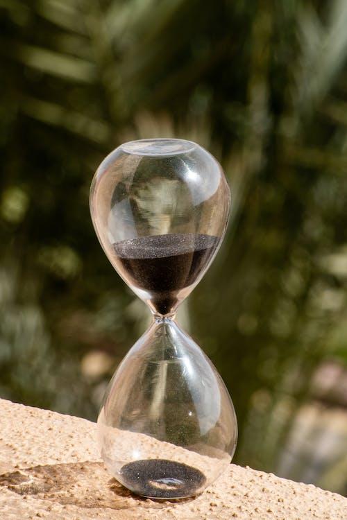 Black Sand Grainer on Hourglass
