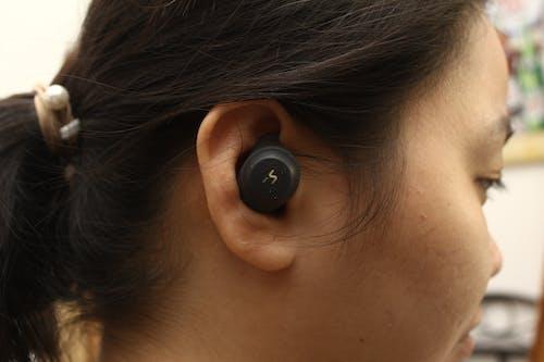 Free stock photo of black, earbuds, earphones