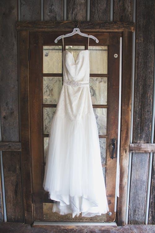 Ảnh lưu trữ miễn phí về lễ cưới, mộc mạc, trang phục, váy cưới