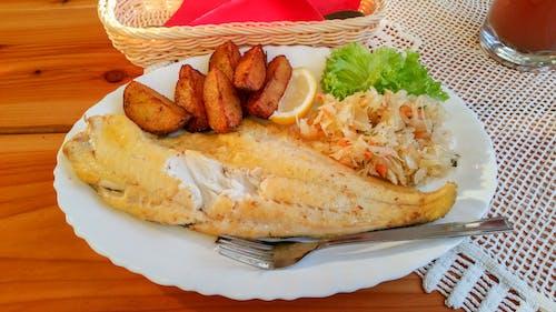 balık, çipler, deniz kıyısı, Gıda içeren Ücretsiz stok fotoğraf