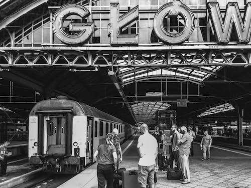 Photos gratuites de dworzec, entraîner, gare, gens