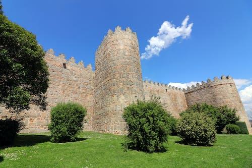 eski kasaba, ispanya, tuğla duvar içeren Ücretsiz stok fotoğraf