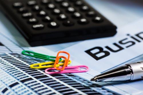 Kostenloses Stock Foto zu arbeiten, berechnend, büro, finanzen