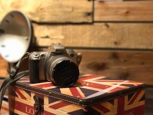 Foto profissional grátis de câmera nikon fotografia fundo papel de parede