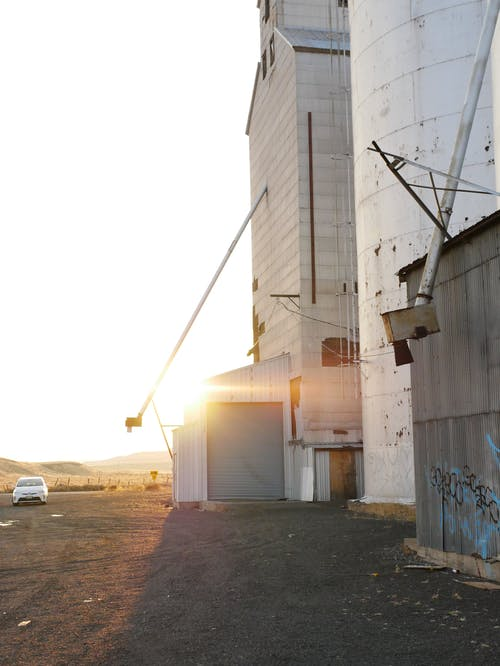 버려진 건물, 일몰, 제분소의 무료 스톡 사진