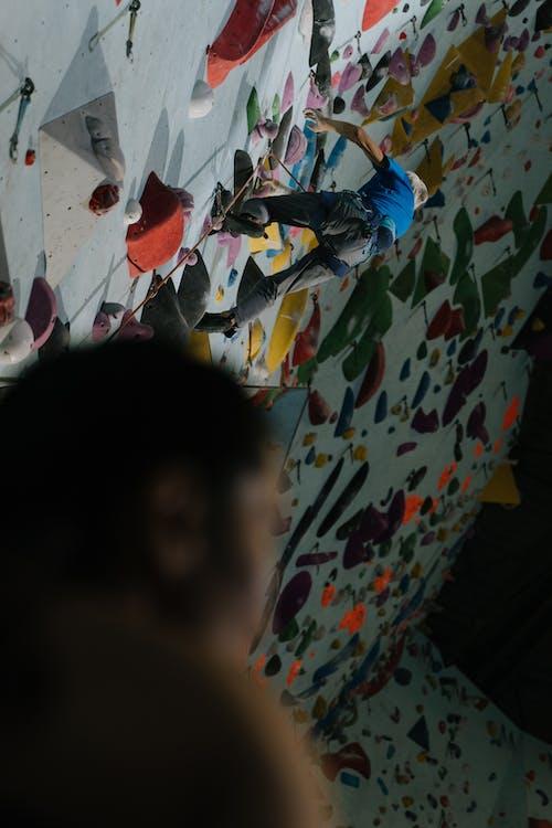 Gratis stockfoto met beklimmen, beklimming, boulderen