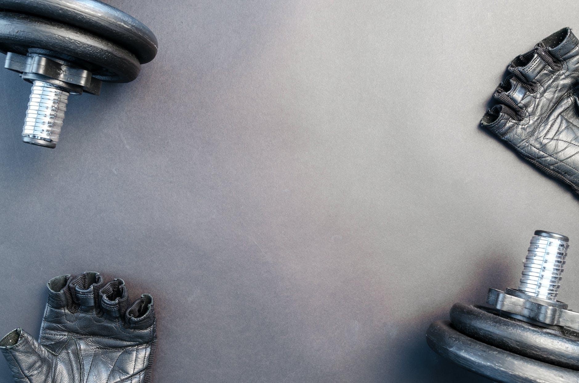 Black workout gloves and the best adjustable dumbbells