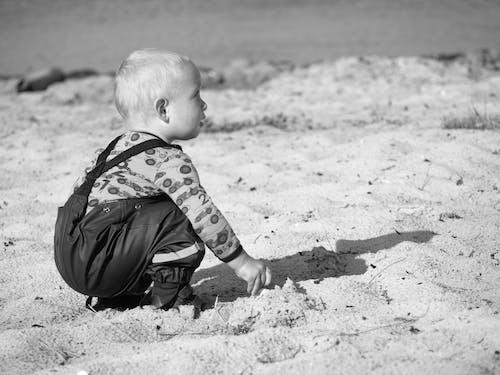 babyboy, 水, 海灘, 黑白 的 免費圖庫相片
