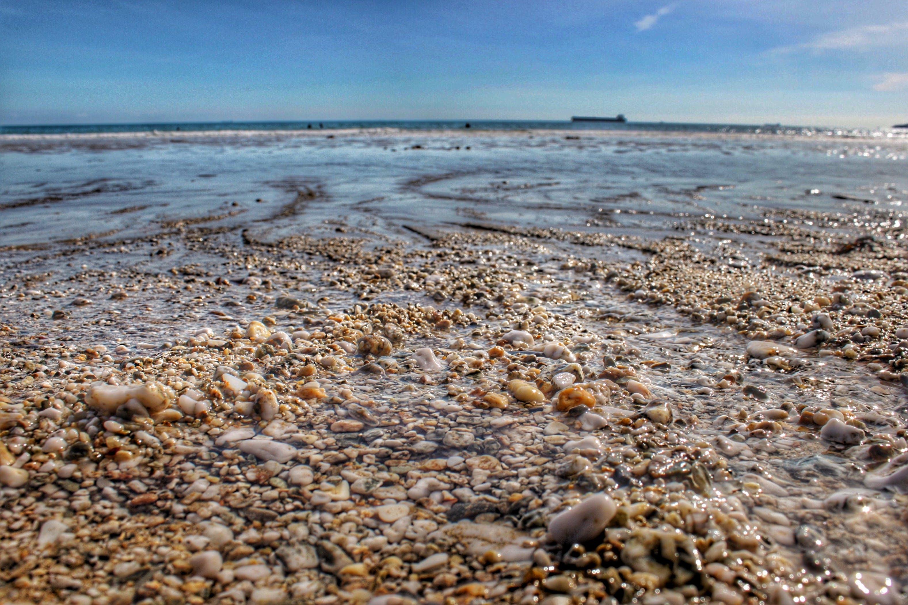 Gratis arkivbilde med hav, kyst, liten rullestein, natur