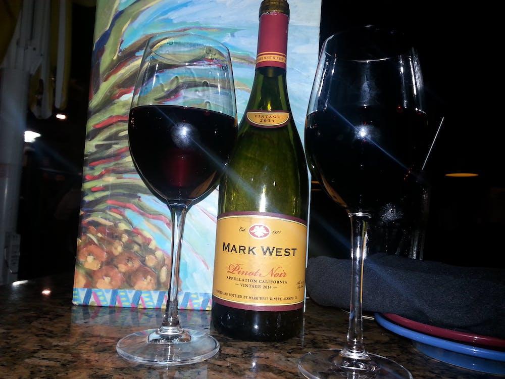 Free stock photo of pinot noir, wine, wine glasses