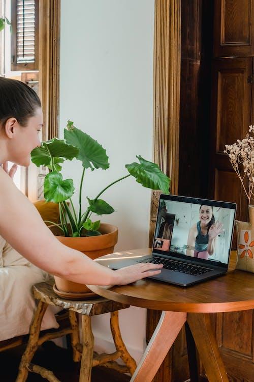 在线课程, 女人, 室內 的 免费素材图片