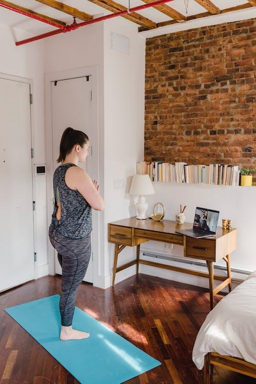 主动穿着, 公寓, 圖書 的 免费素材图片