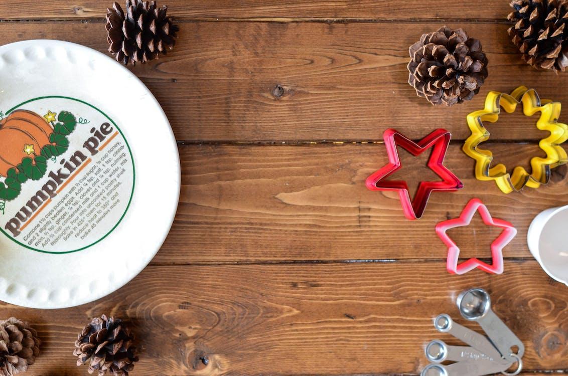 castron, conuri de pin, Crăciun