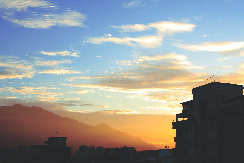 Základová fotografie zdarma na téma město – výzva, městský život, modrá, modrá obloha