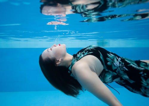 Gratis stockfoto met andere kant op kijken, aqua, Aziatische vrouw