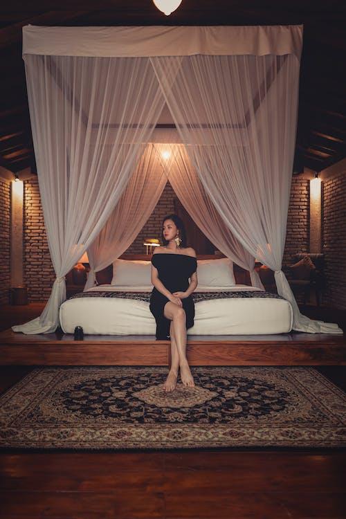 Gratis stockfoto met bed, binnen, binnenshuis