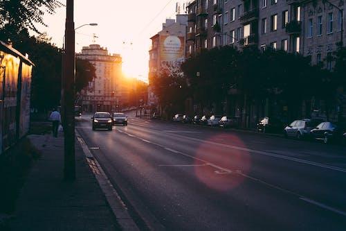 Δωρεάν στοκ φωτογραφιών με Ανατολή ηλίου, αρχιτεκτονική, αστικός, αυτοκίνητα