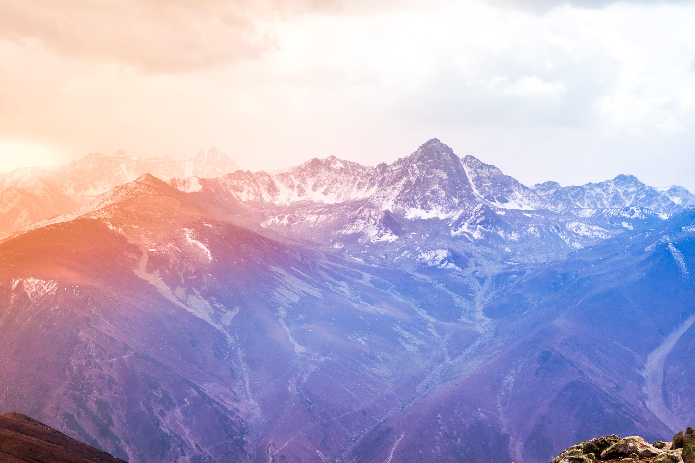 Gratis lagerfoto af bjerge, bjergtinde, dagslys, farver
