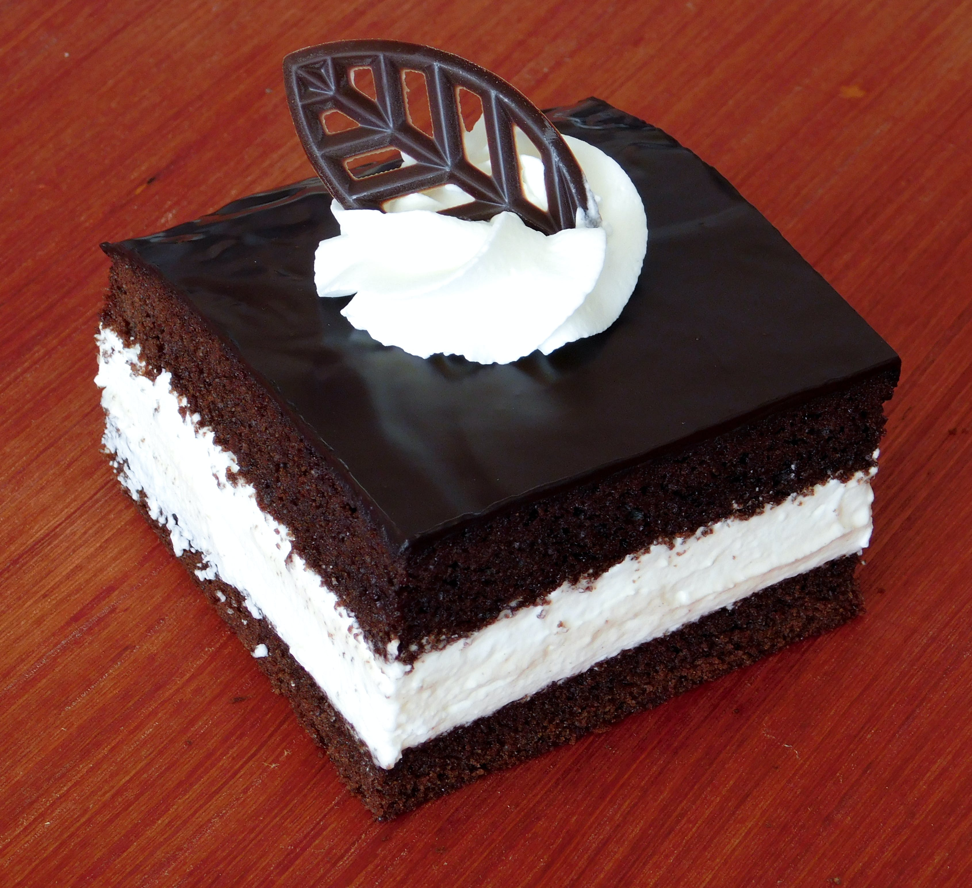 cake, chocolate cake, cream