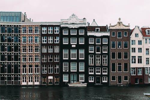 Photos gratuites de architecture, bateaux, bâtiments, canal