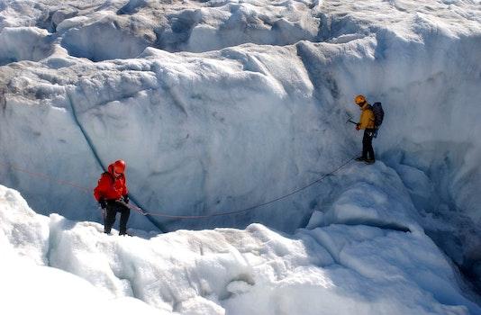 Kostenloses Stock Foto zu schnee, männer, winter, abenteuer