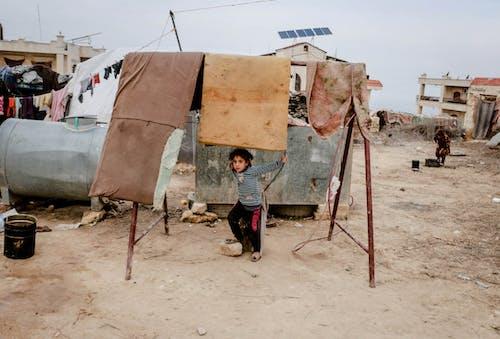 Бесплатное стоковое фото с Анонимный, бедность, бедный