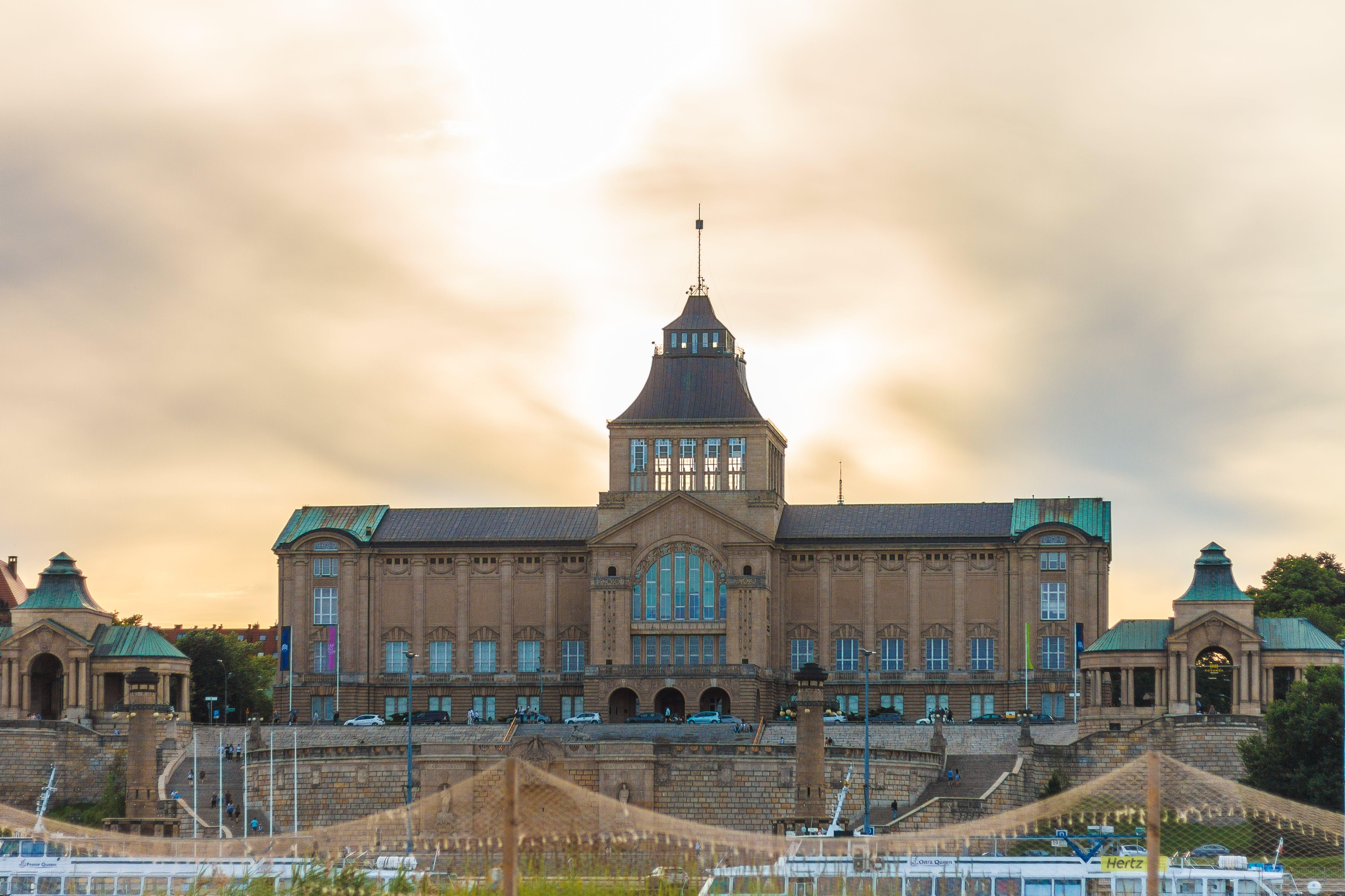 Free stock photo of building, Generallandschaftsgebäude, moody, palac