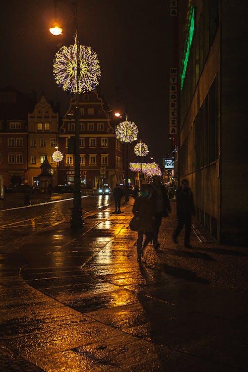 Fotobanka sbezplatnými fotkami na tému breslau, chodník, lampáše, ľudia