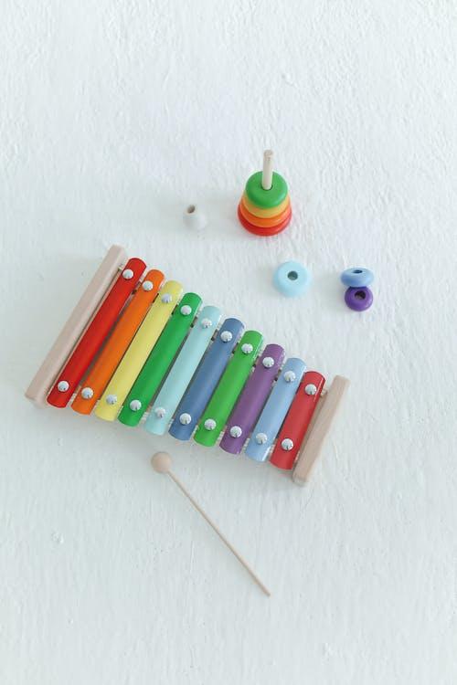 おもちゃ, カラフル, 垂直ショットの無料の写真素材