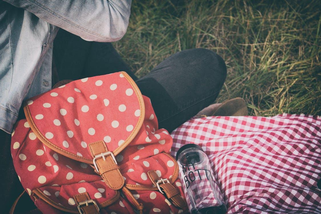 คลังภาพถ่ายฟรี ของ กลางวัน, กลางแจ้ง, กางเกงยีนส์
