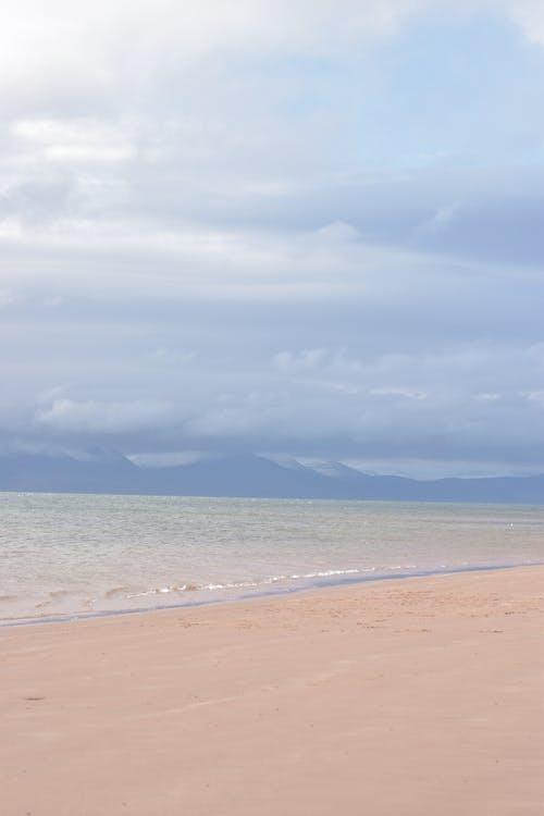 Foto profissional grátis de água, águas calmas, ao ar livre