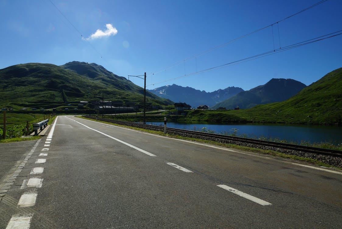 cielo, cielo azul, vías férreas