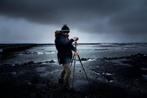 Darmowe zdjęcie z galerii z fotograf, mężczyzna, morze, ocean