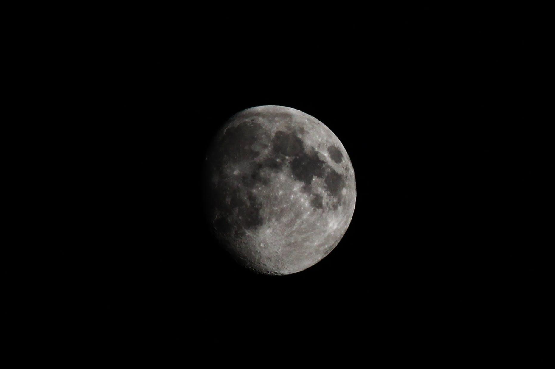 Kostenloses Stock Foto zu nacht, dunkel, grau, schwarz