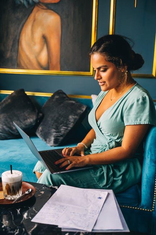 側面圖, 咖啡, 坐 的 免費圖庫相片