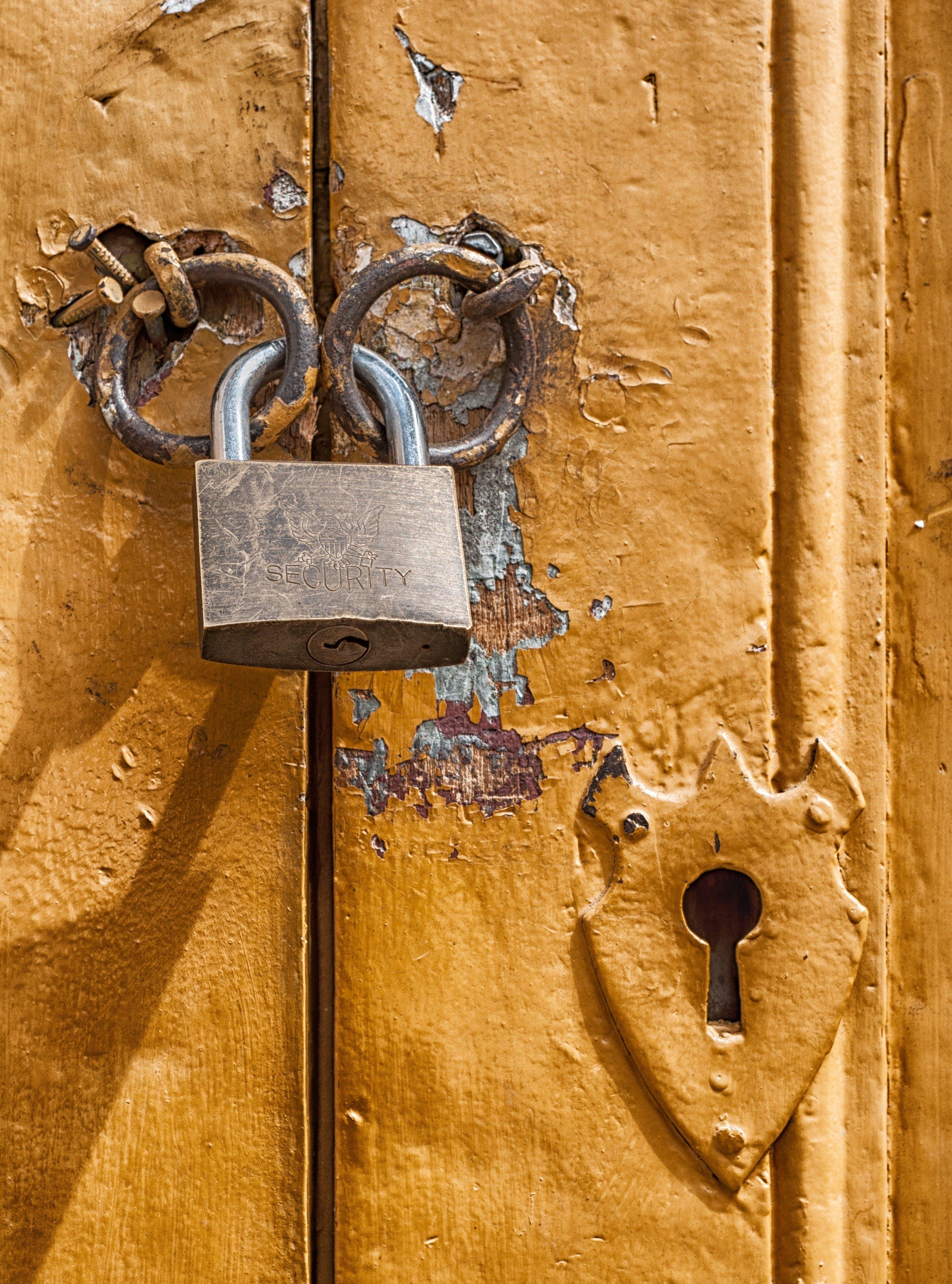 Ingyenes stockfotó ajtó, aranysárga, Biztonság, közelkép témában