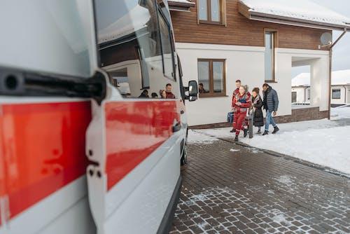 Fotos de stock gratuitas de ambulancia, casa, emt