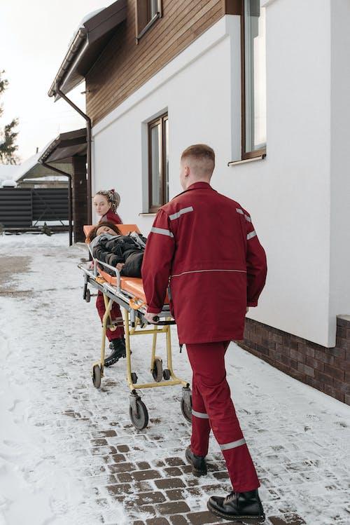 Foto profissional grátis de doente, emt, enfermo