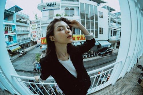 Foto profissional grátis de □ gentil, andar, ao ar livre