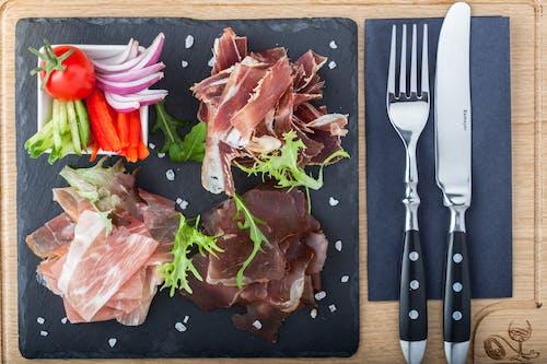 Foto stok gratis buatan tangan, daging, makan malam, makan siang